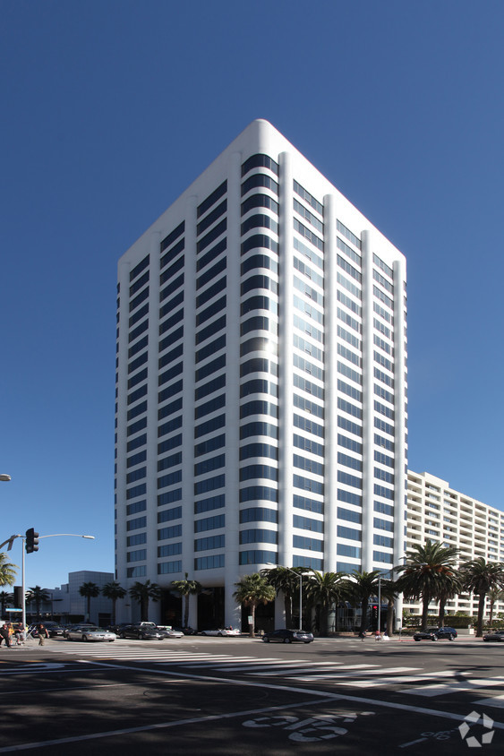 Picture of 100 Wilshire