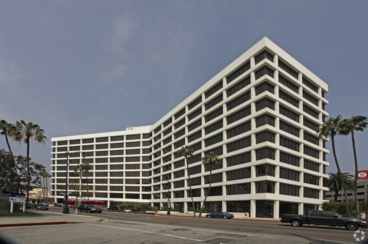 Photo of 8383 Wilshire Boulevard, Beverly Hills, CA
